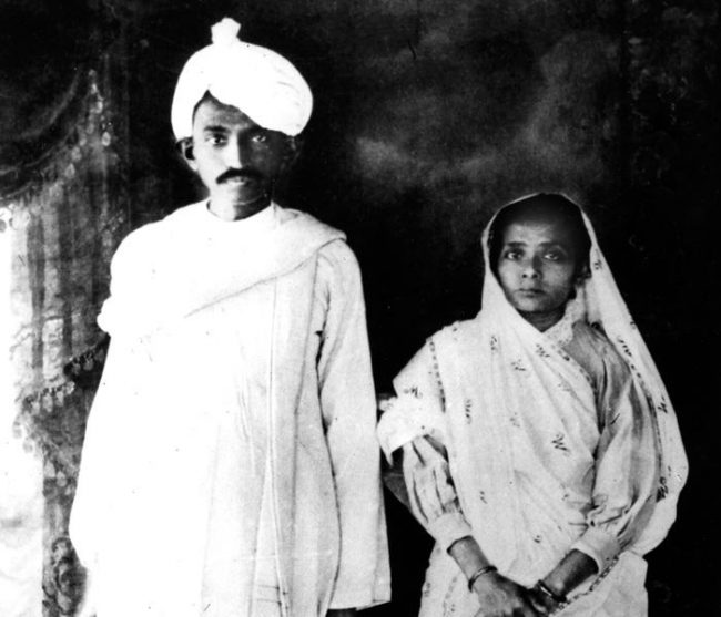 Mahatma-Gandhi-with-beloved-wife-Kasturibai